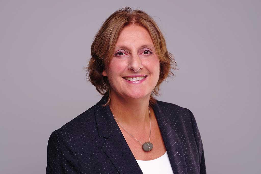 Expertise für Beratungen der KMK zur Gymnasialen Oberstufe angeboten - Britta Ernst